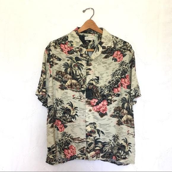 90eb8b07 Banana Republic Other - ⭐️Clearance Sale⭐️Banana Republic Hawaiian Shirt M